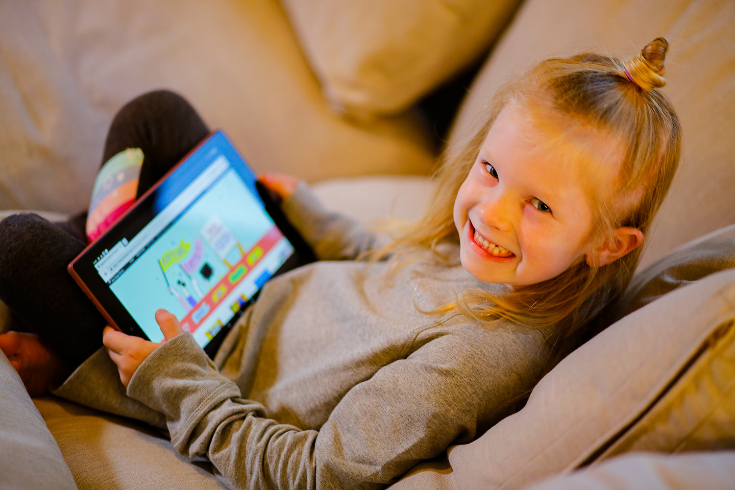 Looking for healthy screen time tips? These tips from a teacher and behavior specialist are spot on!