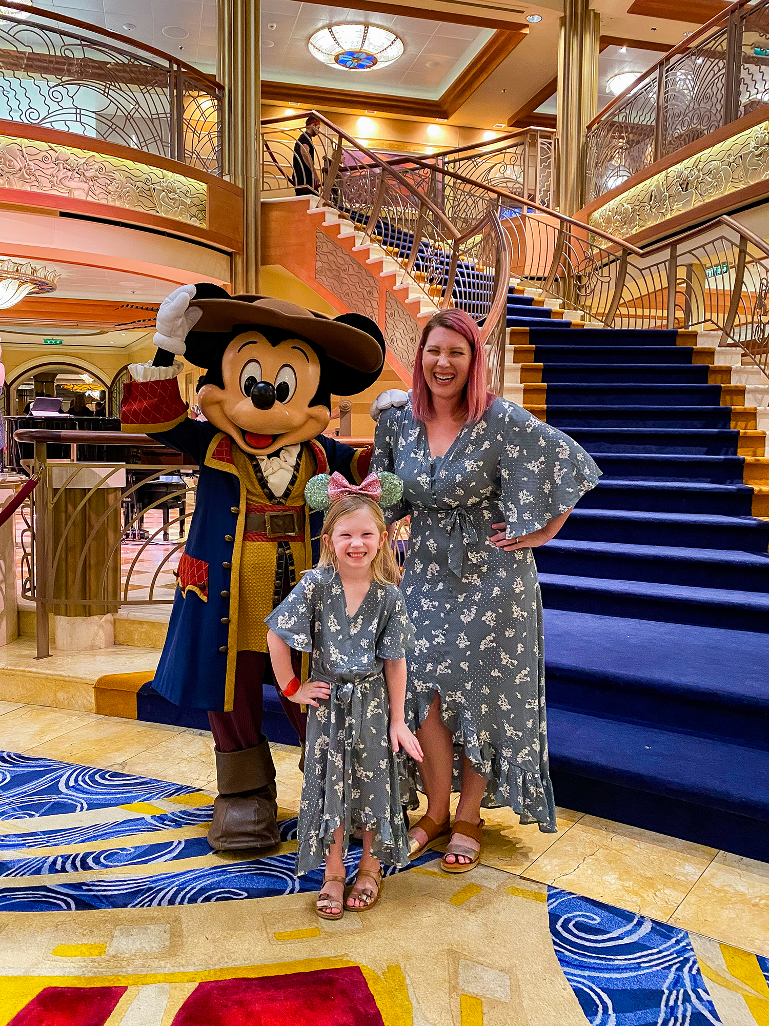 Wondering what to wear to Disney World? These outfits are perfect for a Disney World trip and a Disney Cruise!