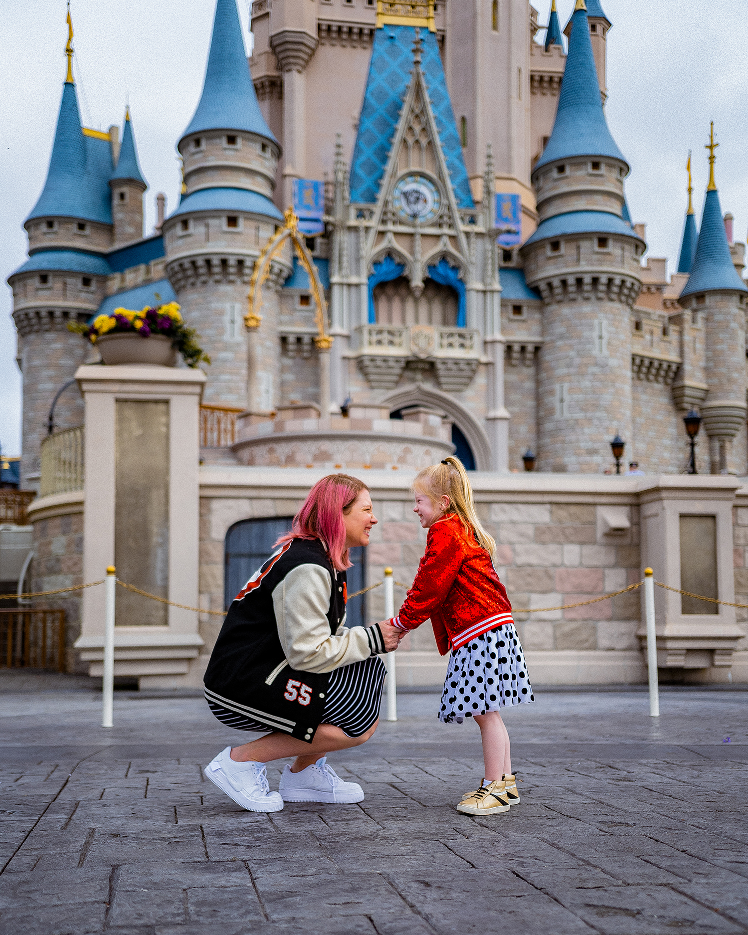 Looking for outfits for Disney World? These are the BEST options for each park that are comfortable and fitting with each season!