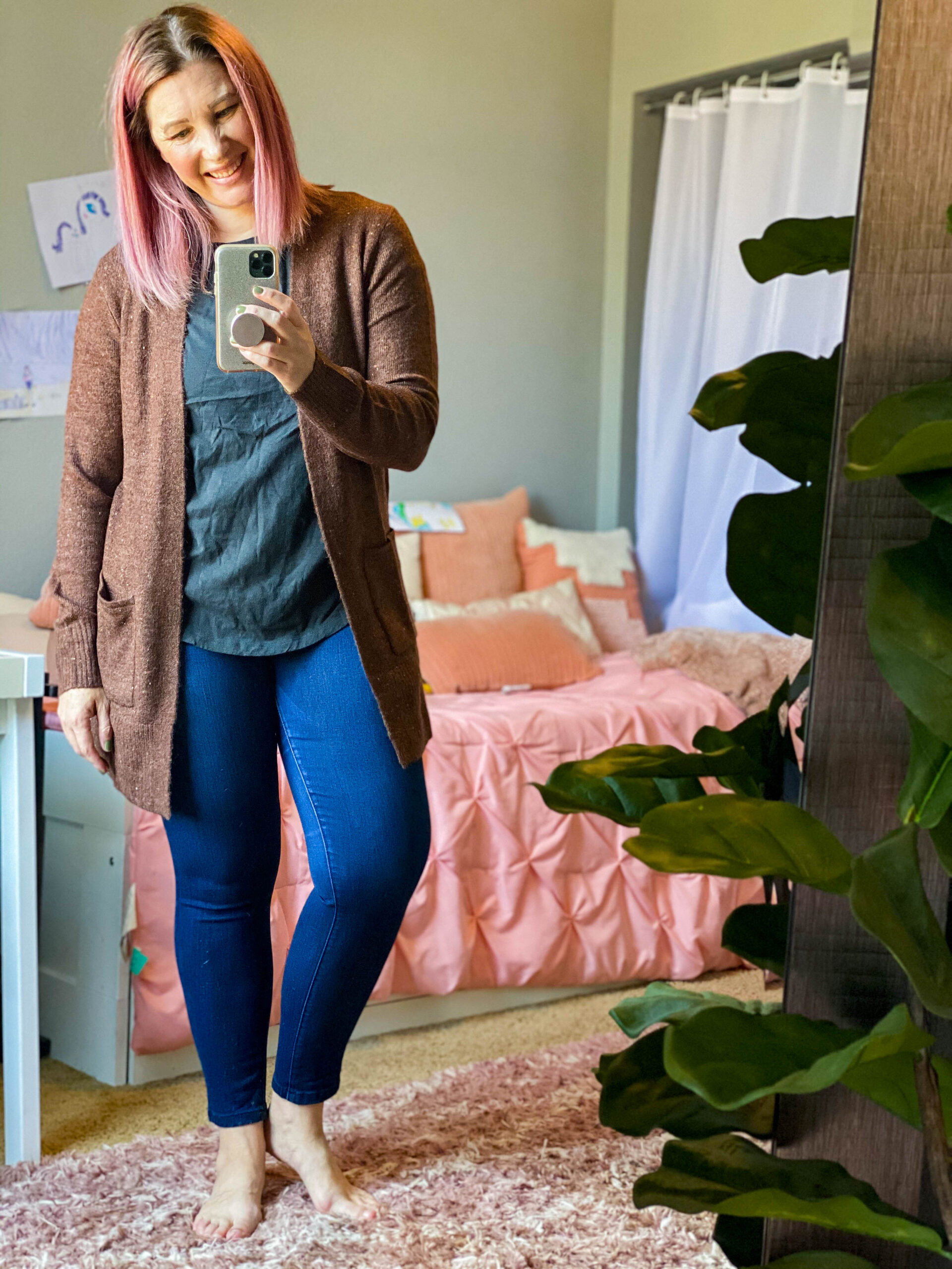 Looking for casual fall outfit pieces that won't break the bank? Old Navy has some GREAT options for killer prices!