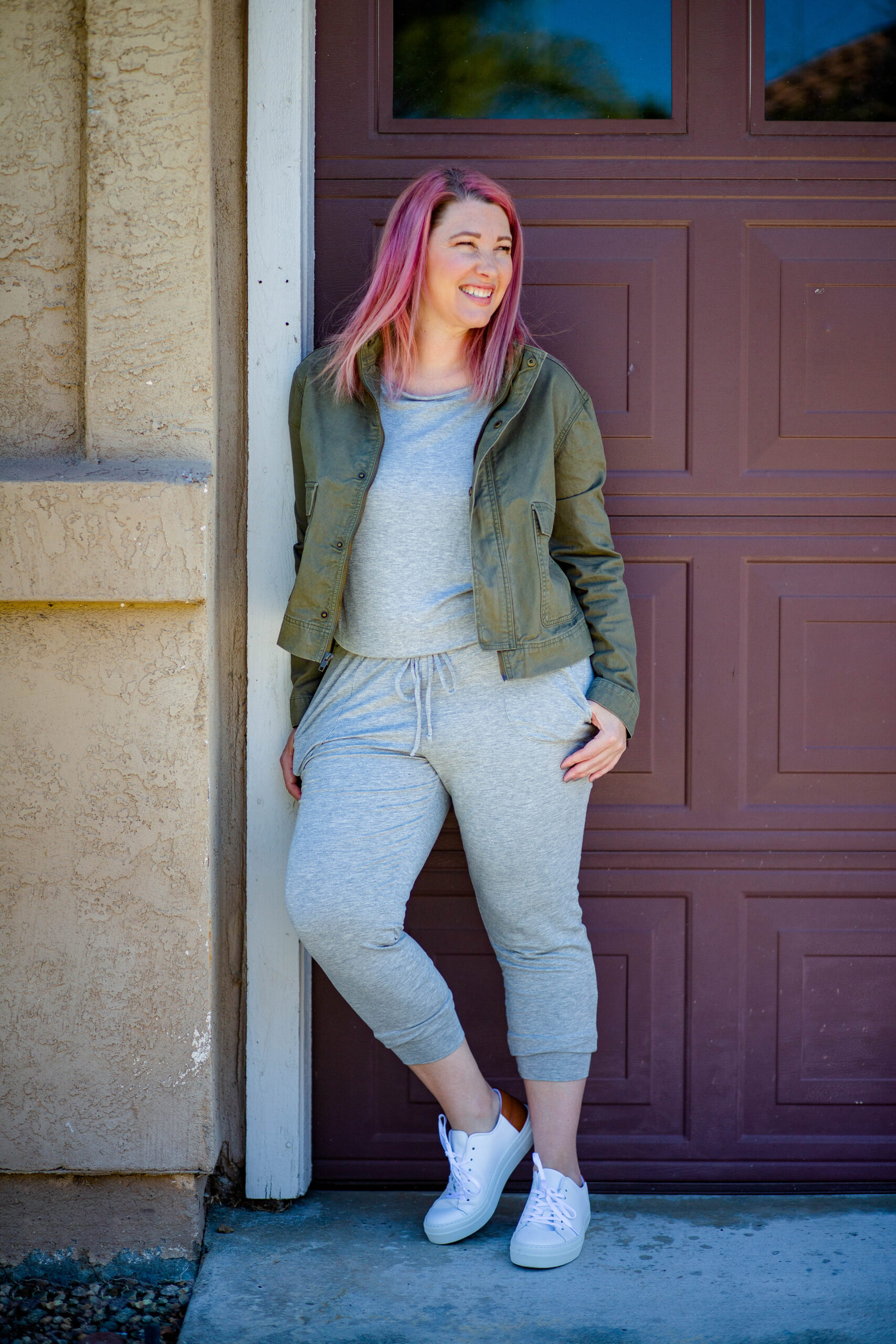 Easy Thanksgiving Outfits: This grey jumpsuit is PERFECT!