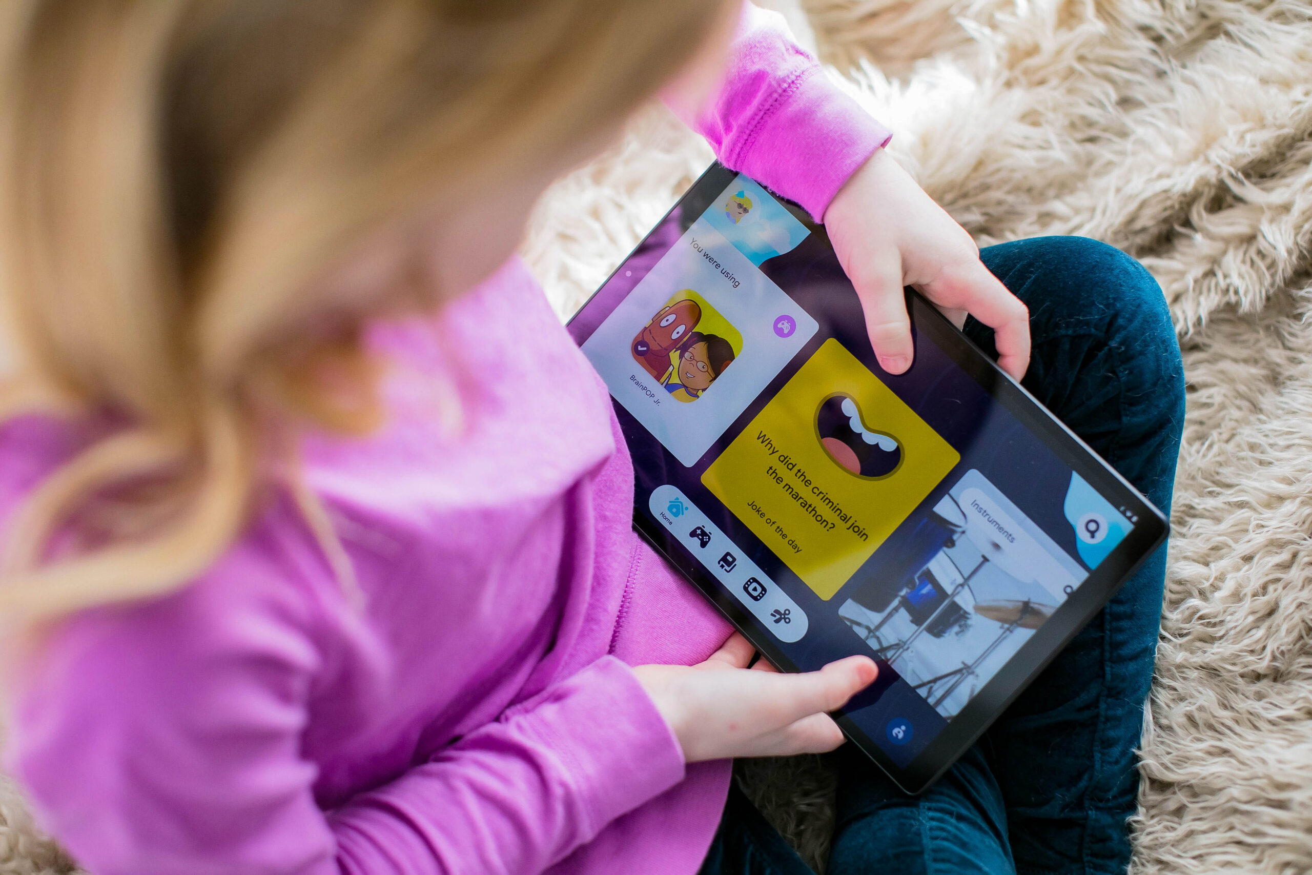 Digging into ways to keep your kids entertained and learning? These are tips for helping kids find great content (specifically for elementary school aged children) from a teacher, behavior specialist and mom!