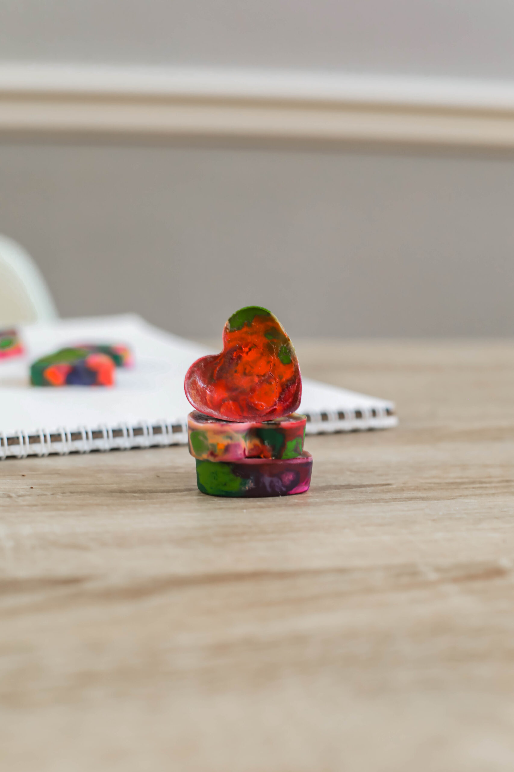 Looking for a fun and easy at home craft project? These DIY Rainbow Crayons were a ton of fun to make, and look ADORABLE!