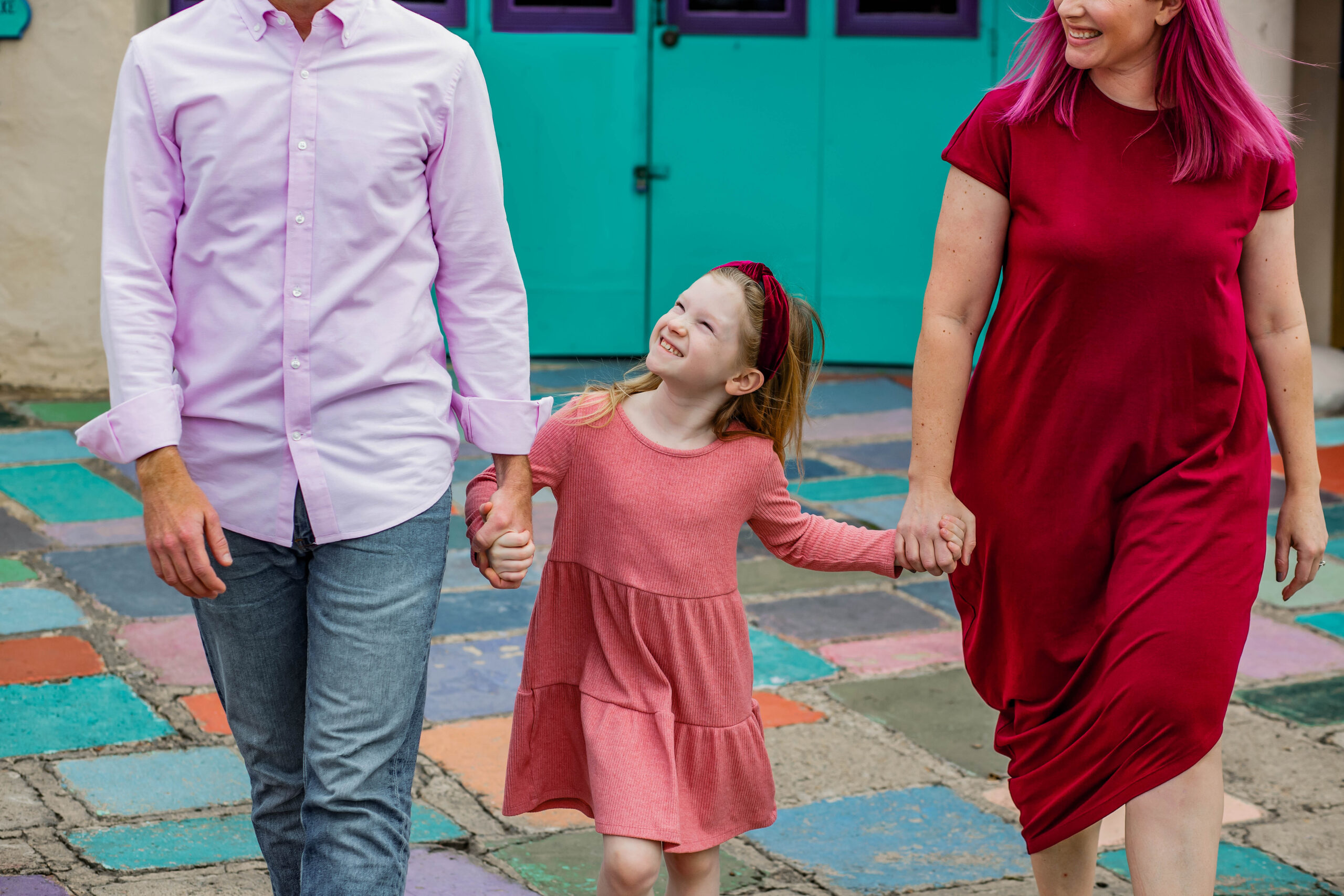 Planning to take spring family photos this year? These tips will make them easy as pie!