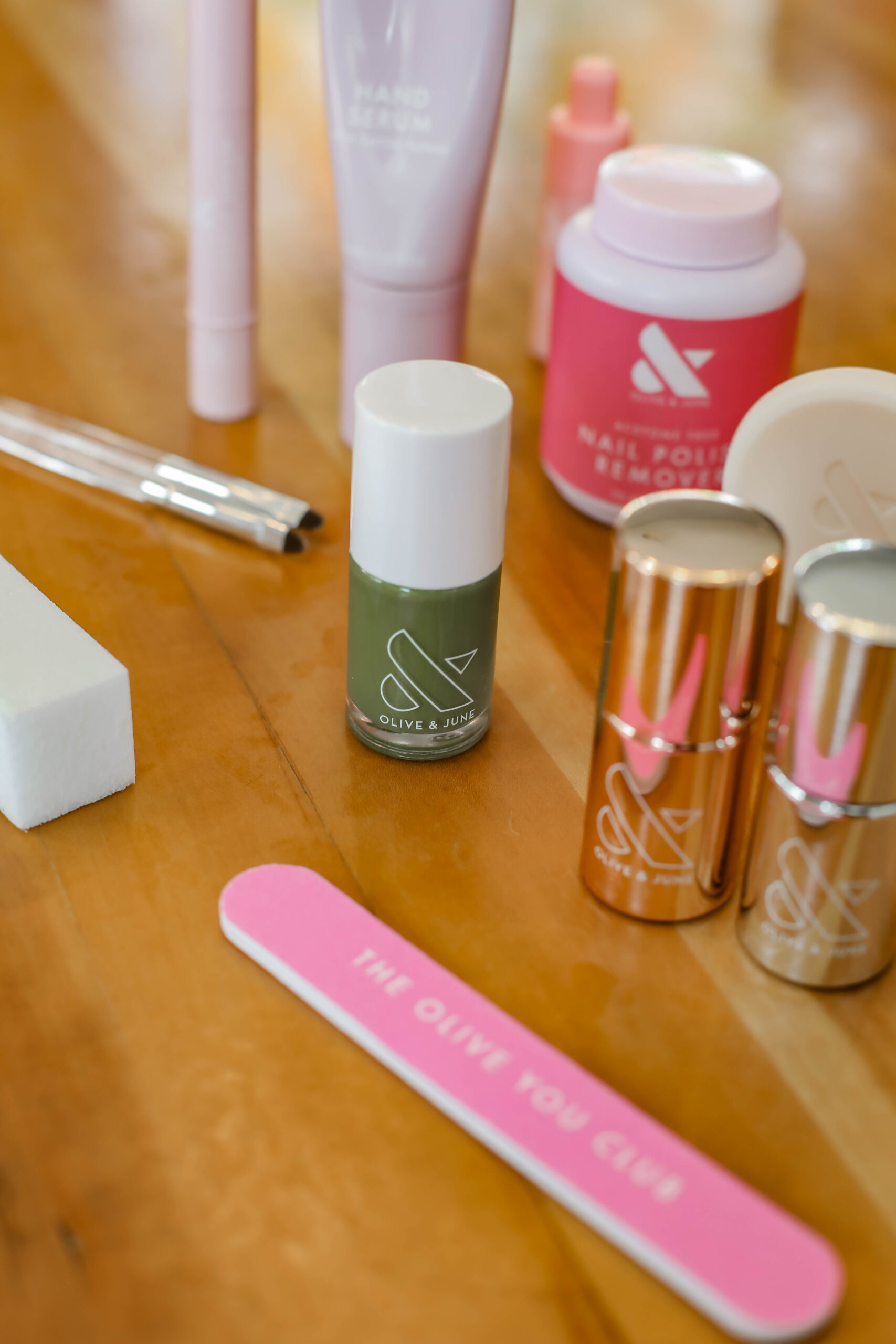 Want to start doing your nails at home? A great at-home manicure kit will change your LIFE and make that mani a million times easier!