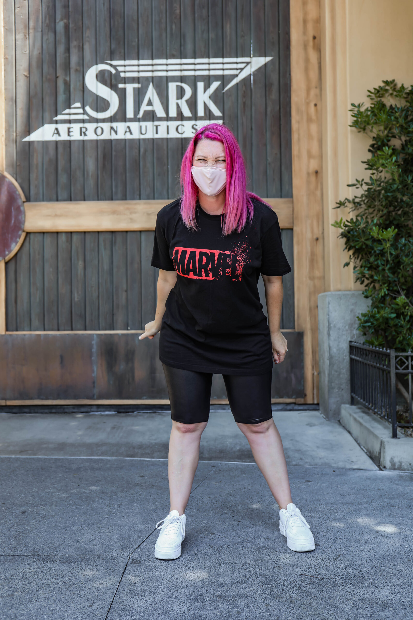 Looking for easy and casual Avengers Campus outfits? This is the BEST all day outfit!
