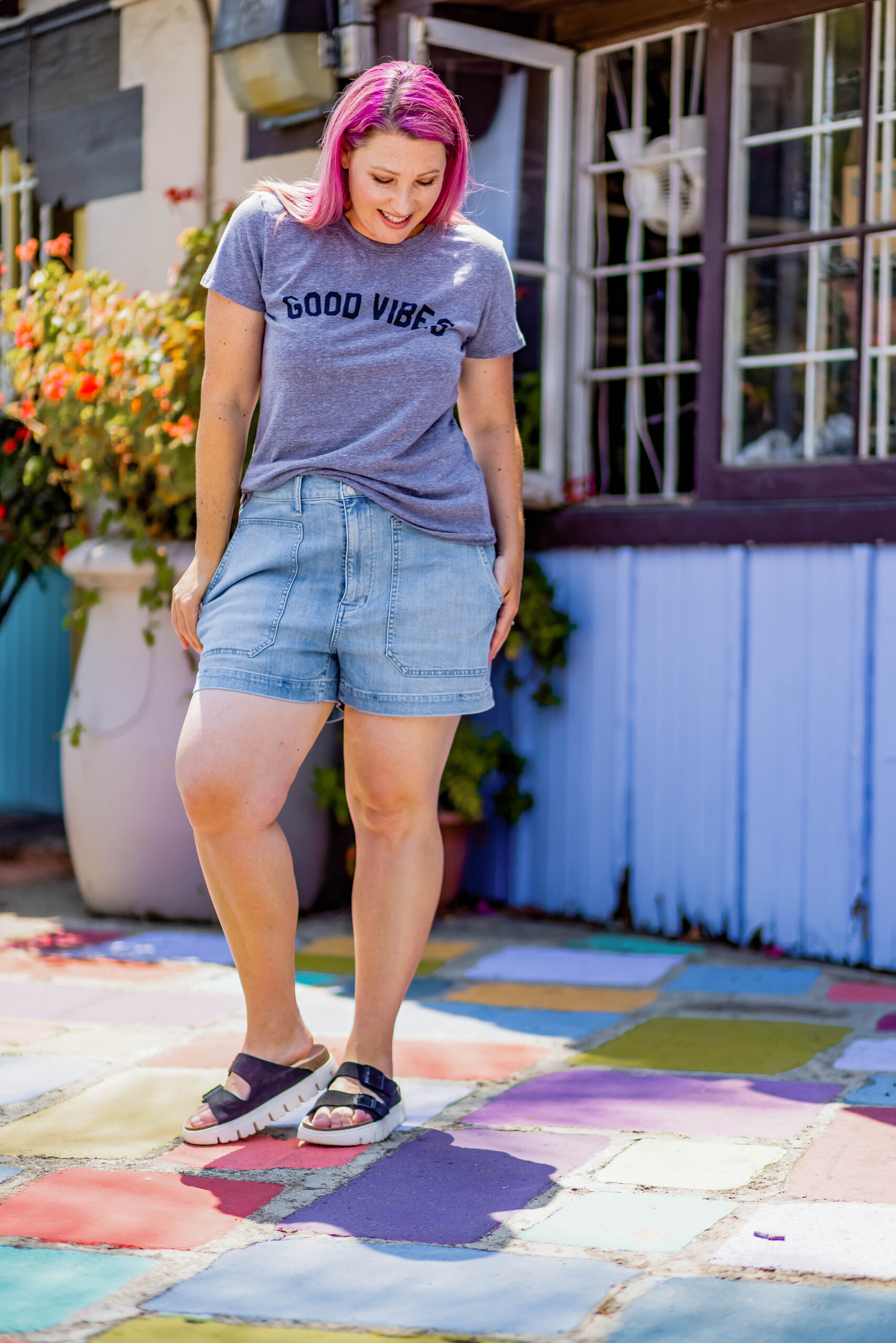 Having trouble finding great denim shorts? These are the best jean shorts for thick thighs!
