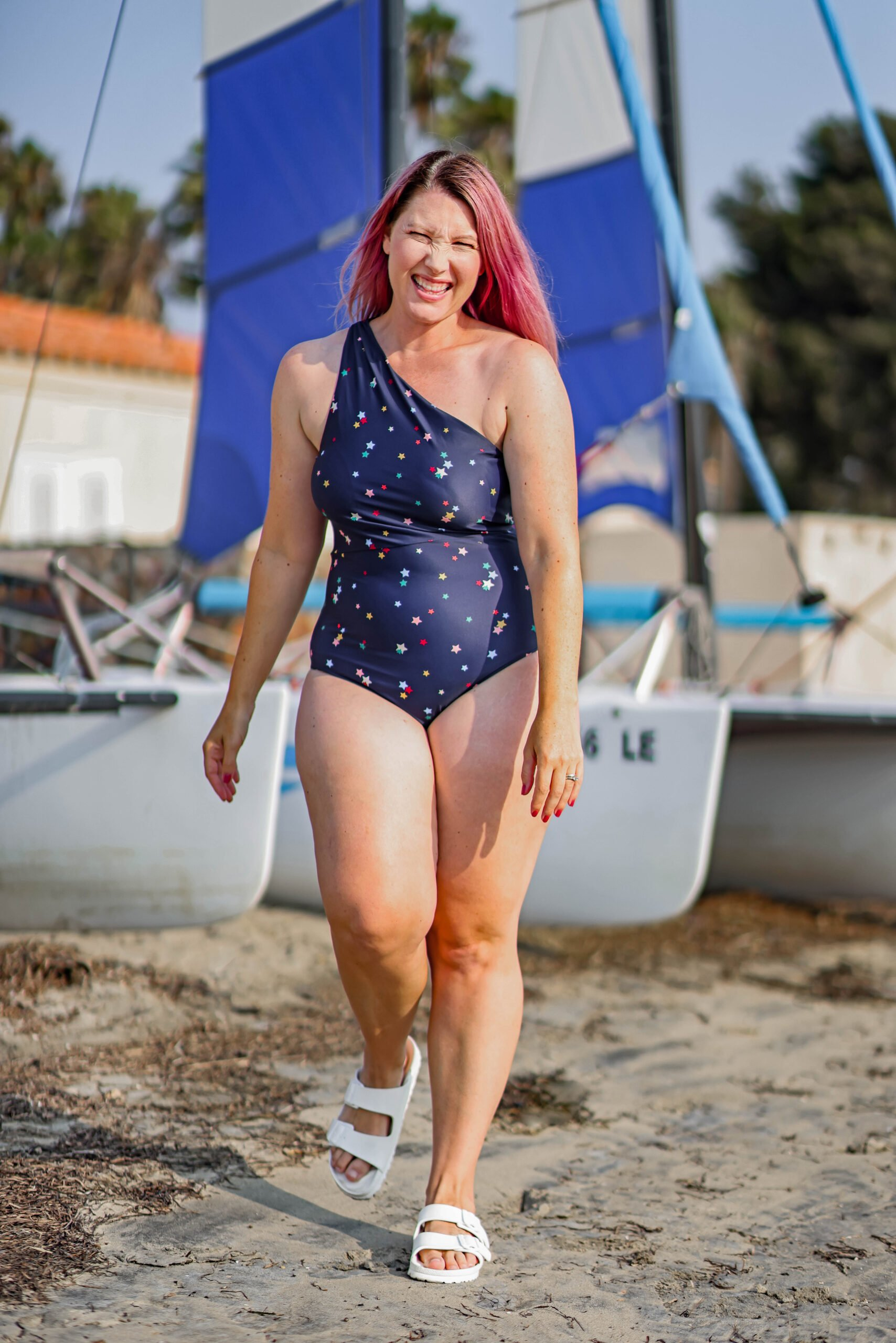 Want the scoop on Summersalt Swim? I finally did it, I got my hands on this insta-famous swimsuit brand and tried a few of their one pieces, their activewear, their pajamas, their dresses and their cover ups!